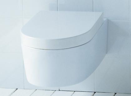 Flaminia w toalecie
