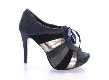 Forever 21 - niedrogie buty z USA