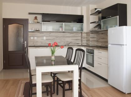 Fornir czy deska w kuchni?