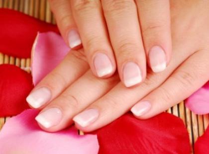 French Manicure niejedno ma oblicze