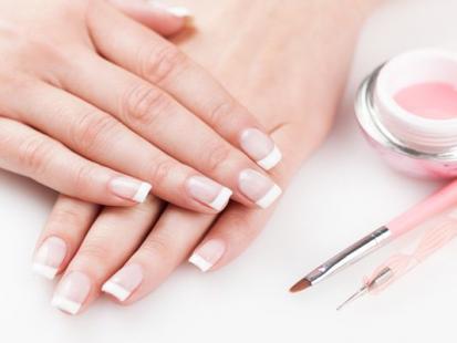 French manicure w 3 odsłonach