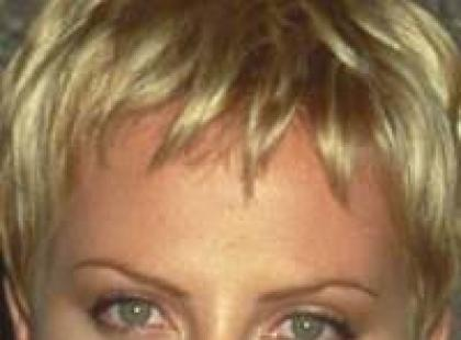 Fryzury gwiazd - Charlize Theron