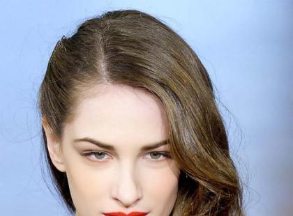 Fryzury na topie: Lekko zakręcone