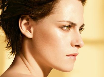 """""""Gabrielle"""" to najnowsze perfumy domu mody Chanel. Jak pachną i jaka jest ich historia?"""