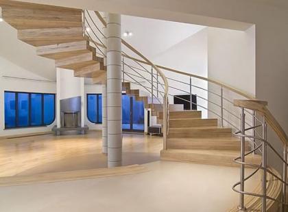 Galeria zdjęć drewnianych schodów