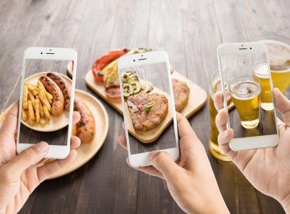Gastropornografia, czyli dlaczego jedzenie, któremu zrobiono zdjęcie, smakuje bardziej?