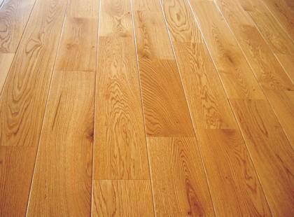 Gatunki drewna na podłogę