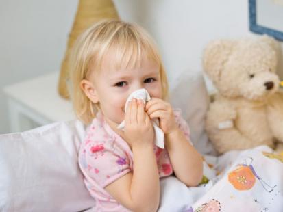 Gdy maluch ma zapchany nos... Najlepsze sposoby na katar u niemowlaka