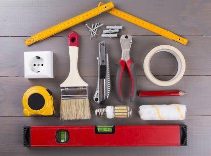 """""""Gdyby nie telewizja, pracowałbym na budowie, albo... w Ikei. Ten etap w grudniu"""". Filip Chajzer buduje dom"""