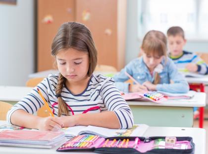 Gdzie składać wniosek na 300 plus? Najważniejsze zasady i terminy programu wyprawek szkolnych