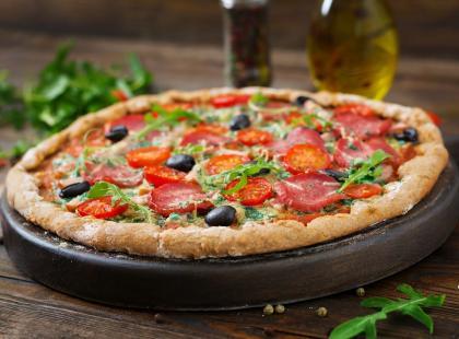 Gęsty i aromatyczny za każdym razem - sprawdź przepisy na sos do pizzy