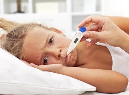 Gorączka u dziecka - 5 rad jak obniżyć