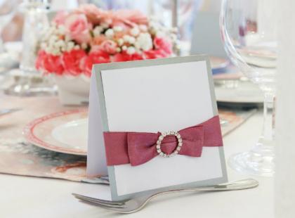 Goście weselni - jak ich usadzić przy stole?