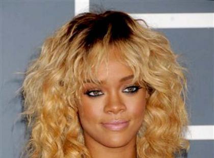 Grammy Awards 2012 - makijaże i fryzury gwiazd