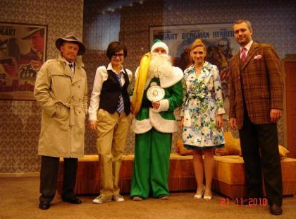 Gwiazdy pomagają kompletnie Zielonemu Mikołajowi!