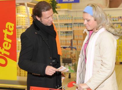 Gwiazdy zbierały żywność w supermarkecie