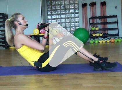 Gymstickowy trening na mięśnie brzucha [video]