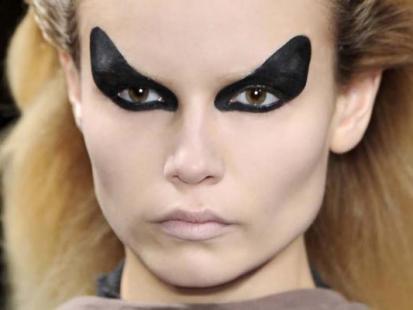 Halloween 2010: makijaże i fryzury