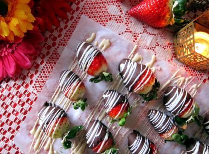 Idealne na walentynkową randkę! Truskawki w czekoladzie - Kasia gotuje z Polki.pl