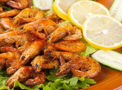 Ile kalorii mają ryby i owoce morza?