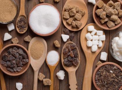 Ile kalorii mają zamienniki cukru i czy warto ich używać?