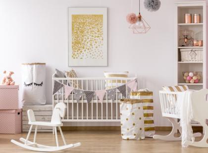 Ile kosztuje łóżeczko dla dziecka? Rodzaje i ceny łóżeczek niemowlęcych