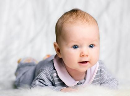 Ile snu potrzebuje niemowlę?
