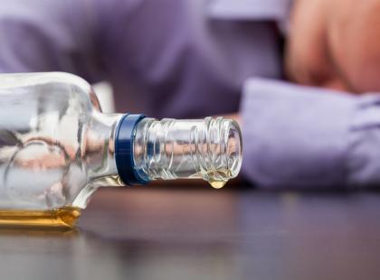 Implantacja disulfiramu – metoda leczenia uzależnienia od alkoholu