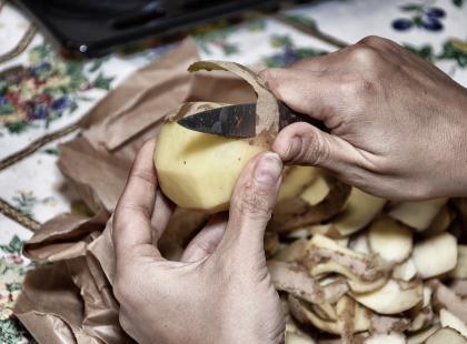 Inhalacje z ziemniaków – to nie żart, tylko tani sposób naszych babć na kaszel i infekcje!