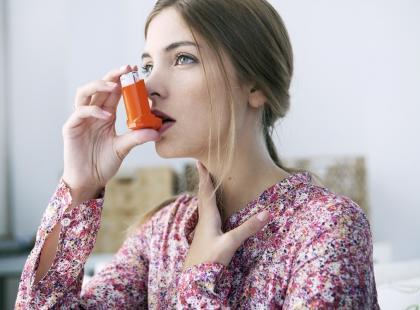 Internista, pulmonolog czy alergolog – do jakiego lekarza zgłosić się z objawami astmy?