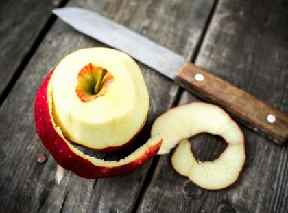 Jabłka pod kruszonką z otrębów