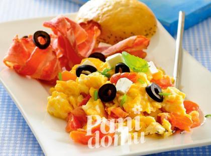 Jajecznica z pomidorami i boczkiem