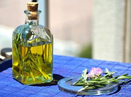 Jak aromatyzować oliwę z oliwek?
