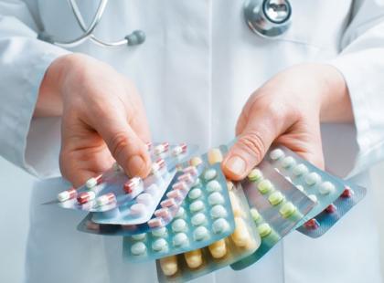 Jak bezpiecznie łączyć leki przeciwbólowe?