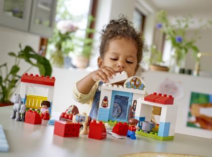 Jak budować w dziecku poczucie własnej wartości?