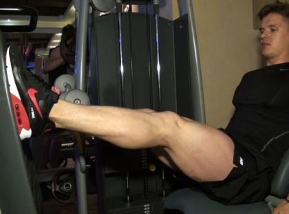 Jak ćwiczyć na maszynie Leg Press?