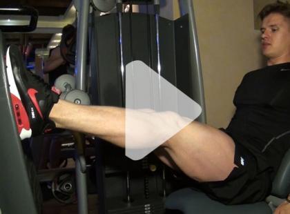 Jak ćwiczyć na maszynie Leg Press? [video]