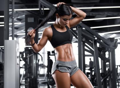 Jak ćwiczyć z kołyską do brzuszków? Instrukcja krok po kroku