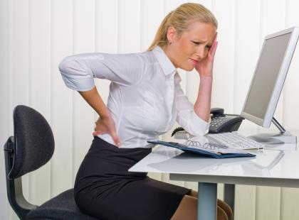 Jak dbać o kręgosłup w pracy?