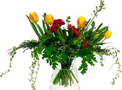 Jak dbać o kwiaty cięte w domu
