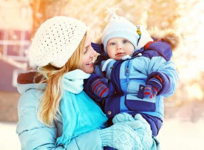 Jak dbać o skórę małego dziecka zimą?