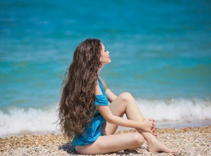 Jak dbać o włosy na plaży?