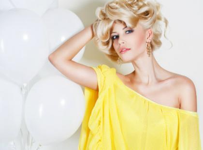 Jak dbać o włosy rozjaśniane i blond, żeby były gładkie i lśniące?