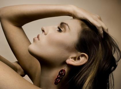 Jak dbać o włosy tłuste?