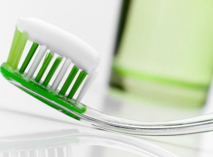 Jak dbać o zęby? – poradnik