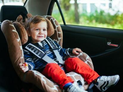 Jak długo dziecko powinno jeździć w foteliku samochodowym?