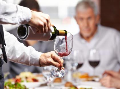 Jak dobierać wino do potraw?