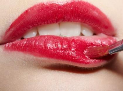 Jak dobrać najodpowiedniejszą barwę szminki?