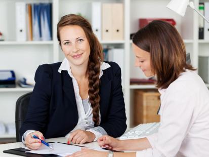 Jak dobrze wypaść na rozmowie o pracę - poradnik