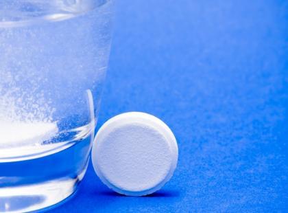 Jak działają musujące tabletki witaminowe?